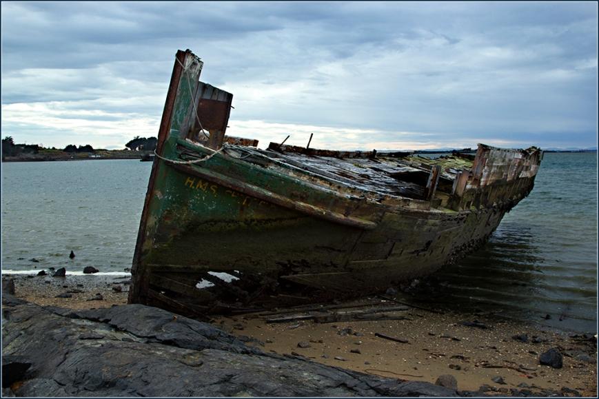 HMS Wreck, Bluff