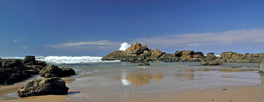 Surf on Rocks.