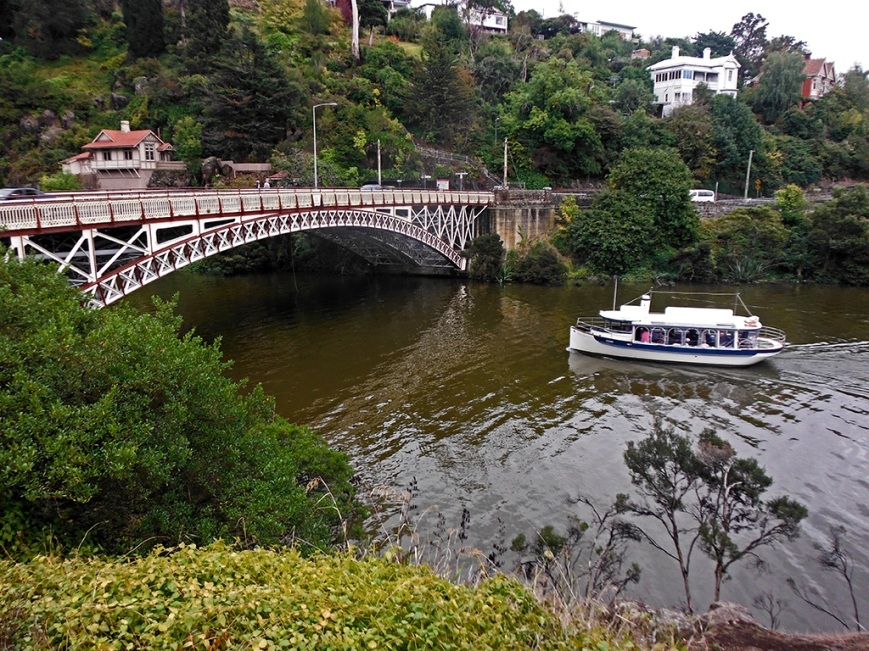 Cataract gorge ferry, love the bridge