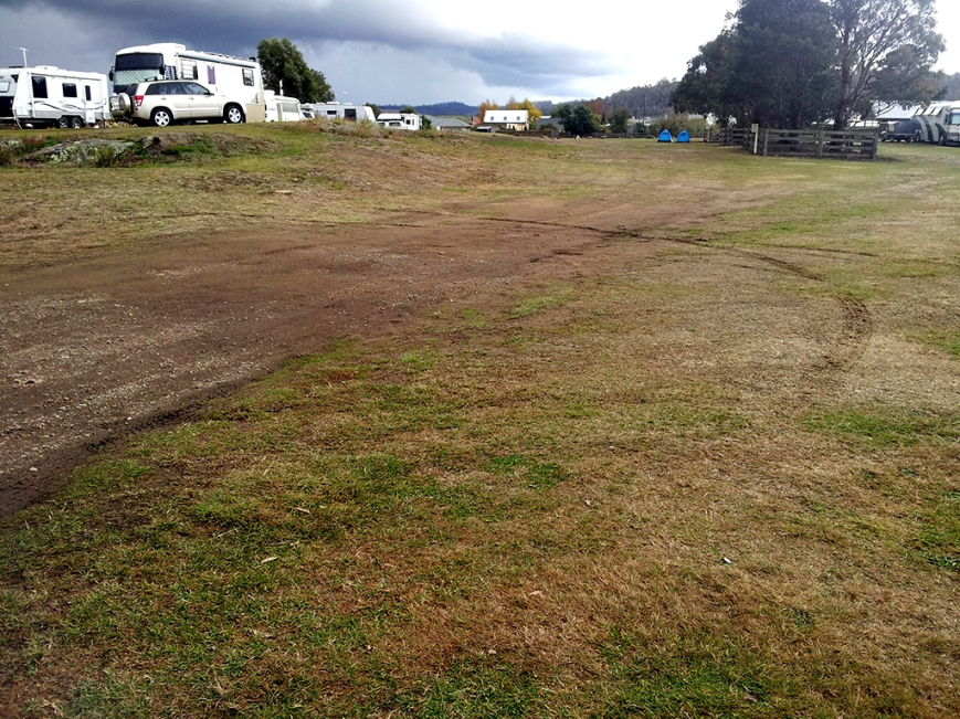 Oatlands Camping, free for a week, no facilities but on edge of town, RV friendly town