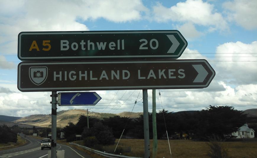 sign at Mowbray heading to Bothwell.